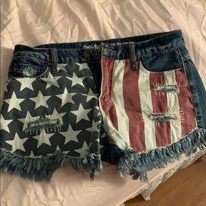 American Flag Shorts 🇺🇸